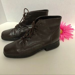 AEROSOLES-tie up ankle leather boots.